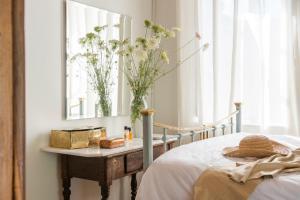 Master bedroom with original furniture