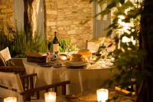 Secret Retreat- al fresco dining by candlelight